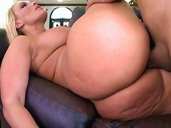 I cant get enough of the way this chick gazes up at you while your cock is down her throat. Melanie Monroe