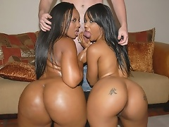 Kapri: We bring back not 1 but 2 of our all time favorite roundandbrown mega honeys!